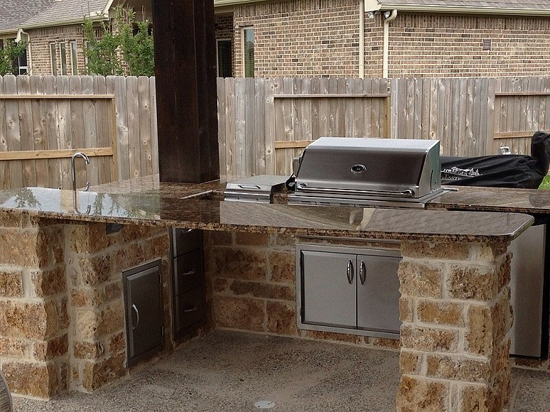 summer kitchen – Texas Custom Granite